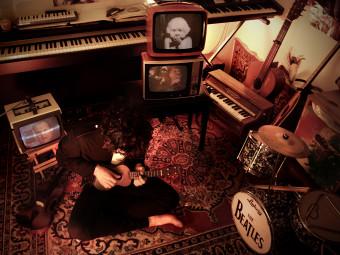"""Esce venerdi 18 novembre """"Lo zoo di plastica"""" , secondo album de I Cortili d'Infanzia."""