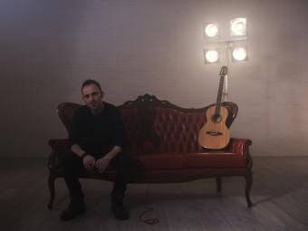 """L'album d'esordio del tarantino Damiano Fedele  che va dritto al cuore delle cose : """"Introspettiva"""""""